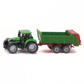 SIKU Super - Traktor mit Universalstreuer